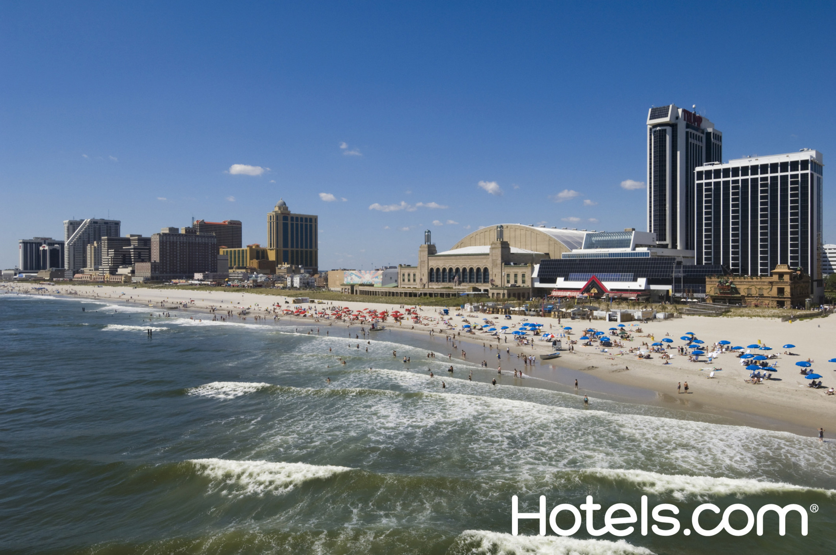 Labor Day travel is expected to reach its highest levels in six years and more Americans are searching for last-minute deals as the holiday weekend approaches, according to Hotels.com? (PRNewsFoto/Hotels.com)
