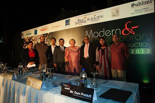 Organizers of Modern & Contemporary Indian Art Auction, Ms. Uzma Irfan & Mr. Raj Bagaria pose along side the guests of honor Mrs. Christel DeHaan & Mr. Irfan Razack (Center) along with Mr. Virender Razdan, while Mr. Raju Shahani, Artist C.F. John & Ms. Neha Verma look on