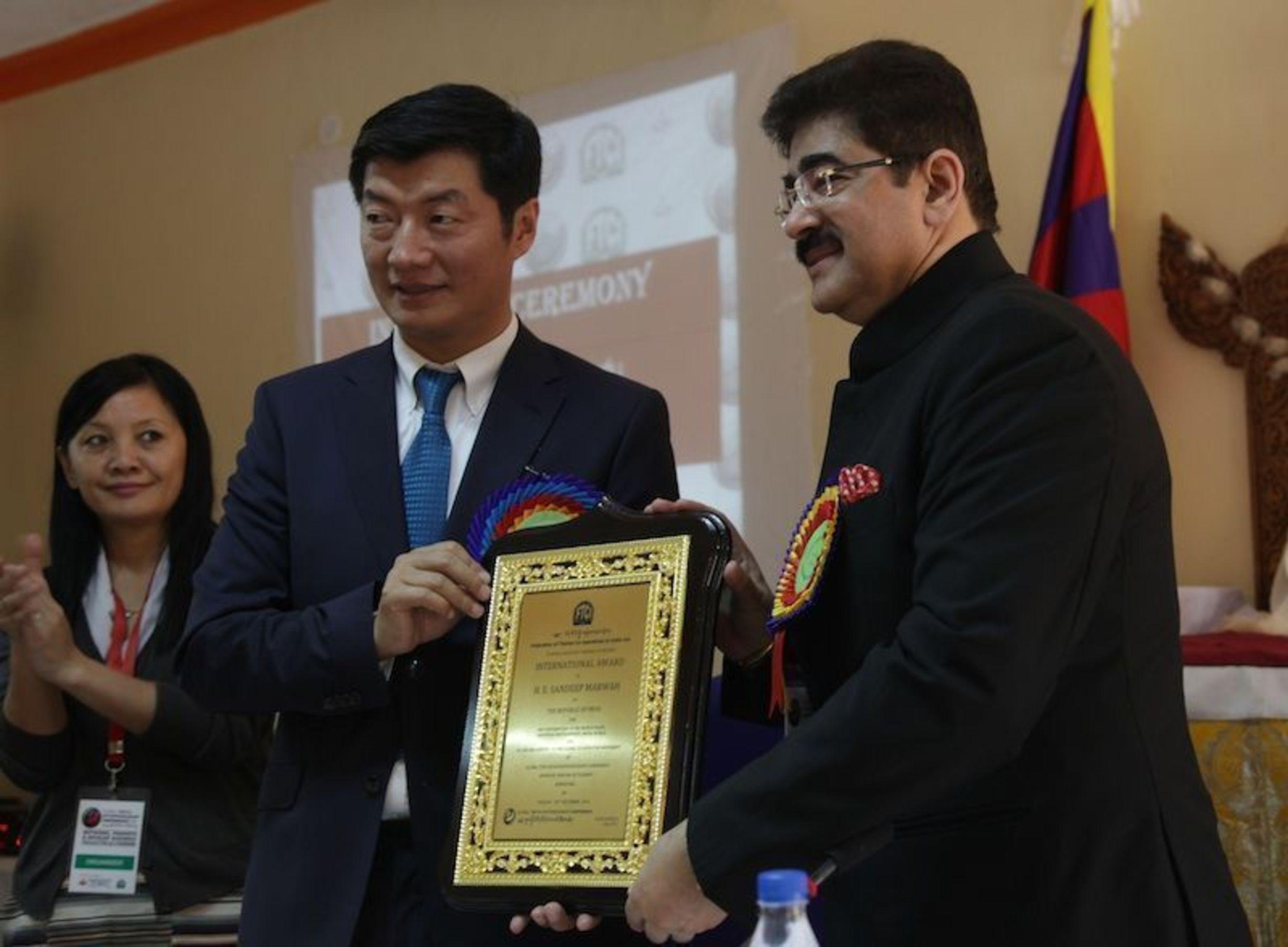 Dr. Lobsang Sangay and Sandeep Marwah (PRNewsFoto/Marwah Studios)