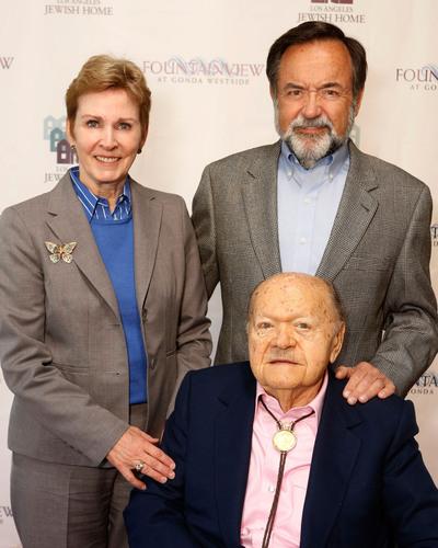 Molly Forrest, CEO-President, Los Angeles Jewish Home, Louis Gonda, Leslie Gonda.  (PRNewsFoto/Los Angeles ...
