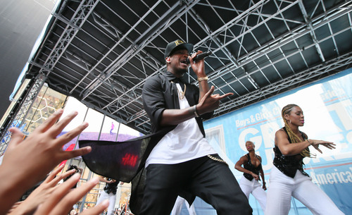 Grammy-award winning artist Ne-Yo performs at Boys & Girls Clubs of America's launch of the Great Futures ...