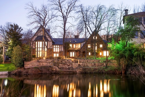 Following a live auction with 10 qualified bidders, the historic Les Jardins estate on Turtle Creek went under contract in cooperation with the Matthews Nicols Group of Allie Beth Allman & Associates. (PRNewsFoto/Concierge Auctions)