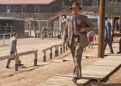 "John Benjamin Hickey as ""Frank Winter,"" in WGN America's ""Manhattan,"" premiering SUNDAY, JULY 27 (9 p.m. ET / 8 p.m. CT). (PRNewsFoto/WGN America)"