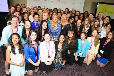 Kate Hudson, Kay Krill, and Alyse Nelson with ANNpower Fellows.  (PRNewsFoto/ANN INC.)