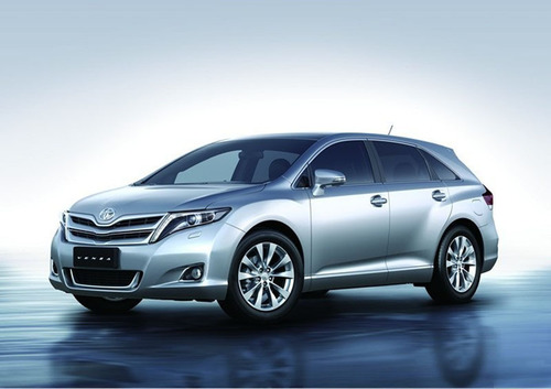 Toyota to export U.S.-built Venza crossover to Russia and Ukraine starting in 2013.  (PRNewsFoto/Toyota)