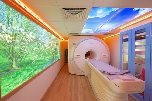 Toshiba launches first relocatable MR system in the UK (PRNewsFoto/Toshiba Medical Systems)