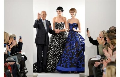 Oscar de la Renta on the runway (PRNewsFoto/IfOnly)