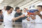 Building Director Admiral Jose A. Sierra shows to Mexican President Pena Nieto how the Voith Schneider Propeller works in a Voith Water Tractor tugboat, during the keel laying ceremony, celebrated January 2nd in the Shipyard ASTIMAR 20.