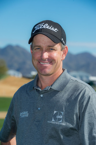 Professional Golfer Jeff Klauk Tees Off New Pledge Campaign for People Living with Epilepsy.  (PRNewsFoto/UCB, ...
