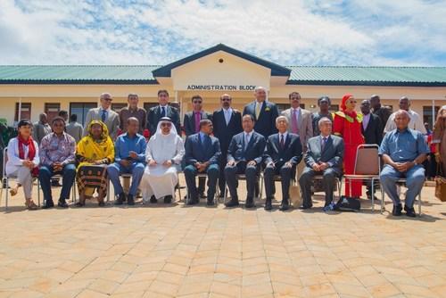 Tanzania's President Jakaya Kikwete, first lady Salma Kikwete, Ibrahim Sharaf and Sharafuddin Sharaf at the  ...
