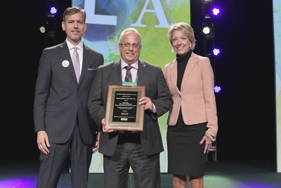 NCPA's 2016 Willard B. Simmons Independent Pharmacist of the Year Award Presentation. Left to Right: NCPA CEO B. Douglas Hoey, RPh, MBA; Randy McDonough; and JoAnn Gaio of Upsher-Smith.