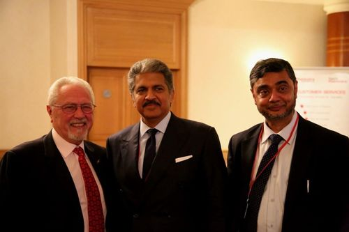 L-R Joesph J. Battaglia, President & CEO, Mr. Anand Mahindra, Chairman & Managing Director, Mahindra Group and Mr. SP Shukla, Member of GEB and Group President Aerospace and Defence making the announcment in Paris. (PRNewsFoto/Mahindra & Mahindra Ltd.)