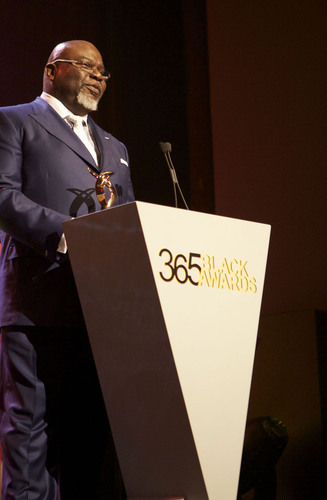 Global humanitarian and best-selling inspirational author Bishop T.D. Jakes accepts the McDonald's(R) 365Black(R) Award during the ninth annual ceremony, held for the first time at the Mahalia Jackson Theater, in New Orleans on July 6. The McDonald's 365Black Awards are given annually to salute outstanding individuals who are committed to making positive contributions that strengthen the African-American community.  (PRNewsFoto/McDonald's USA, LLC)