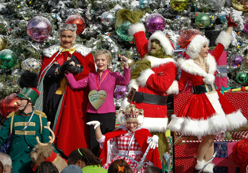 The Grinch, Max the Dog and a 'Bunch' of 'Whos' Present Television Icon Florence Henderson with the 'Who-Manitarian of the Year' Award, as Universal Studios Hollywood Rings in the 'Grinchmas' Holiday Season.  (PRNewsFoto/Universal Studios Hollywood)