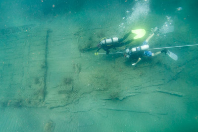 Team of U.S. archaeologists map the 17th century shipwreck discovered at the mouth of the Chagres River in Panama during expedition for Captain Henry Morgan's lost fleet.  (PRNewsFoto/Captain Morgan)