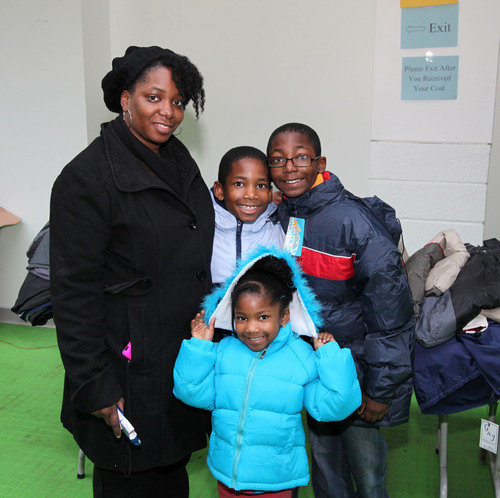 Hyundai donates 1,000 winter coats to Focus: HOPE to benefit Southeast Michigan residents.  (PRNewsFoto/Hyundai  ...
