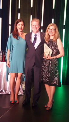 (left) Helena Alexandre, VP and General Manager of Arbonne International Canada, and Chair of the DSA of Canada Board of directors; (middle) Ken Mulhall, President of the Direct Sellers Association of Canada; (right) Gina Bresciani, Director of USANA Canadian Operations.
