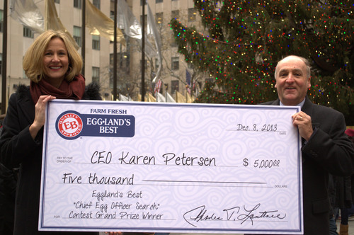 Eggland's Best rewards Karen P. with a $5,000 Grand Prize in the Eggland's Best 'CEO' Search Contest. (PRNewsFoto/Eggland's Best) (PRNewsFoto/EGGLAND'S BEST)