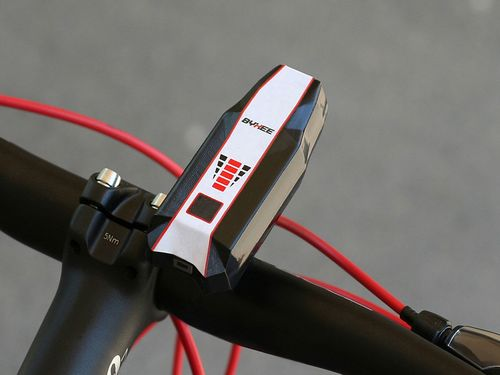 Byxee: the first smart active safety device for bicycles (PRNewsFoto/Byxee)