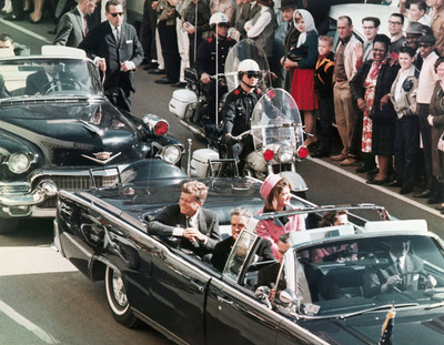 President John F. Kennedy's motorcade in Dallas.  (PRNewsFoto/Newseum)
