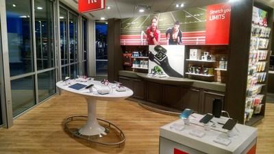 The new Verizon Wireless Smart Store in Farmington, Missouri is now open. (PRNewsFoto/Verizon Wireless)