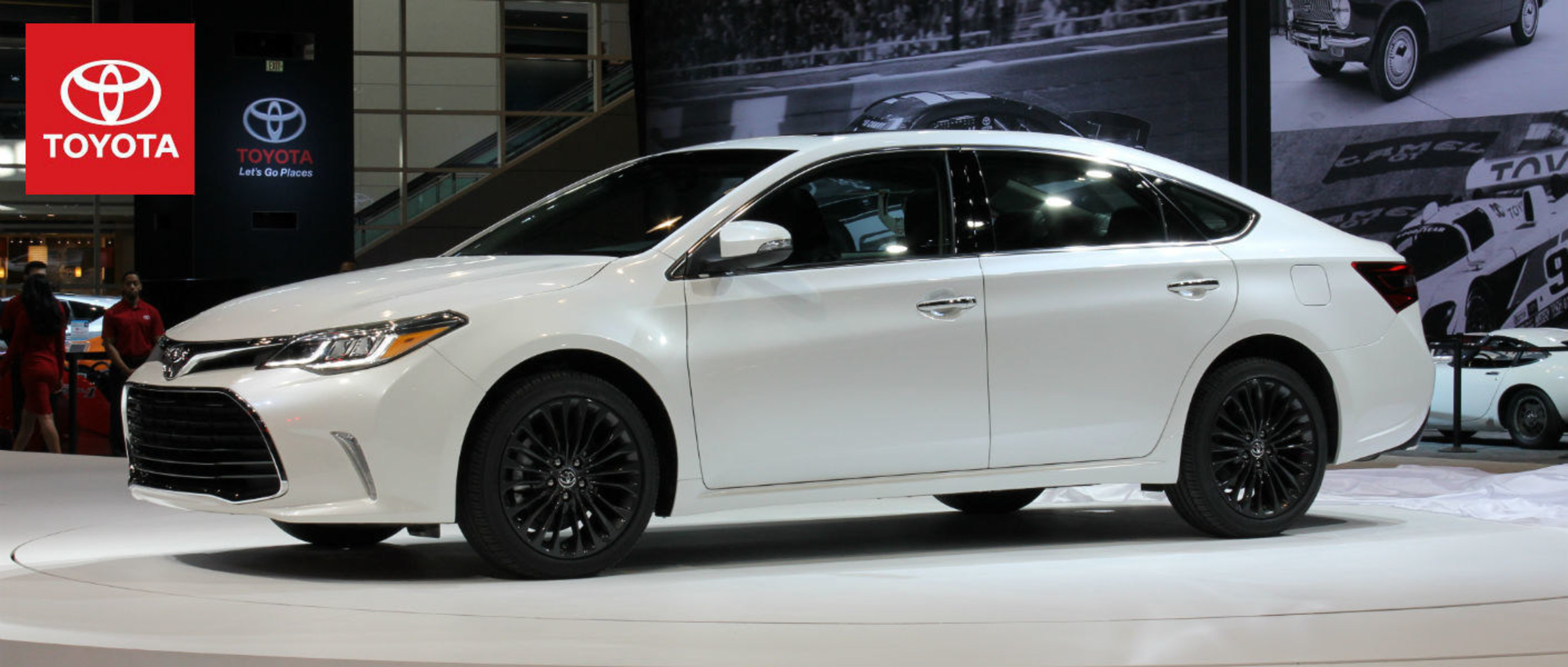 Central Indiana Toyota dealership previews refreshed Toyota Avalon prior to release