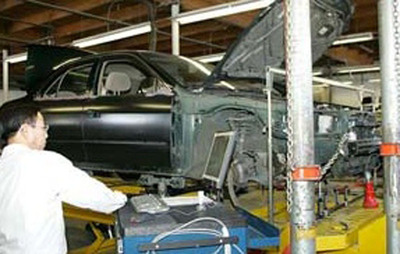 Da-Les Auto Body Announces that it Just Received its 23rd 5-Star Review on Yelp.  (PRNewsFoto/Da-Les Auto Body)