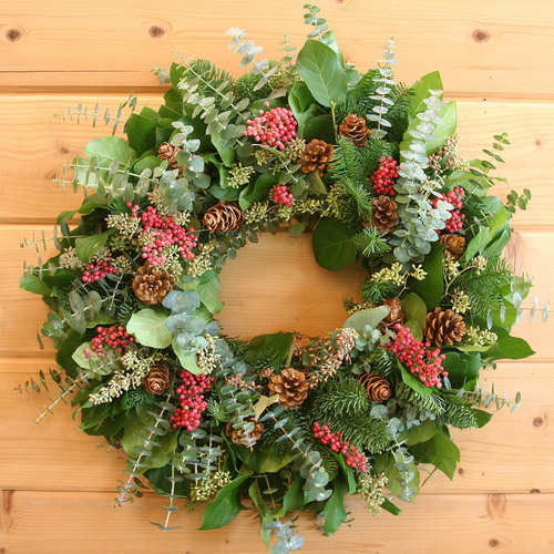 Celebrating its 25th Anniversary, Creekside Farms debuts its special line of 2013 Holiday Wreath