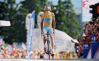 """Vincenzo """"The Shark"""" Nibali wins the 2014 Tour de France riding the Rider-First Engineered(TM) Specialized S-Works Tarmac, Sunday, July 27, 2014 in Paris (Photo credit: Yuzura Sunada). (PRNewsFoto/Specialized)"""