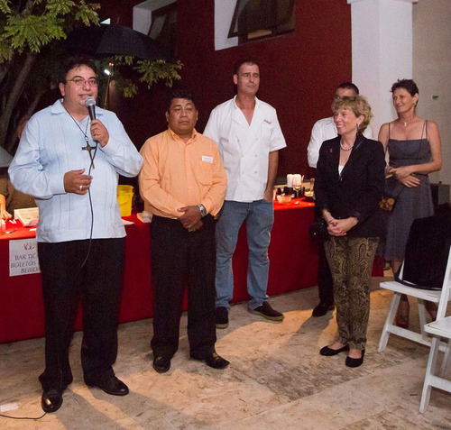 from left to right - Carlos Mendez, Jose Martin Cauich, Sean Hennessy, Colm Cooney, Juanita Stein and Leila Godet Voight. (PRNewsFoto/Merida Real Estate) (PRNewsFoto/MERIDA REAL ESTATE)