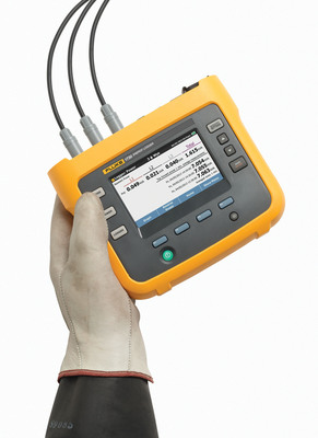 """""""The Fluke 1730 Three-Phase Energy Logger gives electrical contractors a much more efficient and reliable way to analyze energy use and provide facility managers with ROI-based recommendations for energy savings projects,"""" said Peter Pizzi, Power Quality Business Unit Manager. (PRNewsFoto/Fluke Corporation) (PRNewsFoto/FLUKE CORPORATION)"""