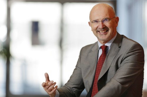 """Herbert Vogel, CEO of itelligence AG, comments: """"With revenues of almost MEUR 700 now, we have ended 2015 excellently and achieved our strategic goals. A good development at almost all levels has enabled us to strengthen our market position and we are now extremely well positioned for 2016."""" (PRNewsFoto/itelligence AG) (PRNewsFoto/itelligence AG)"""