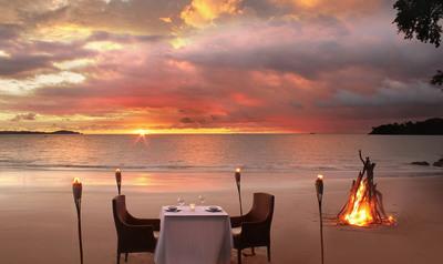 Isla Palenque Beach Dining.  (PRNewsFoto/The Resort at Isla Palenque)