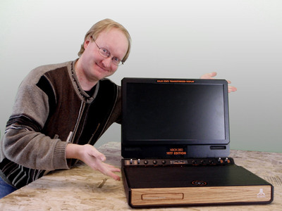 "Ben Heck combines a 1977 Atari console with an Xbox 360 laptop system in the latest episode of ""The Ben Heck Show.""  (PRNewsFoto/element14)"
