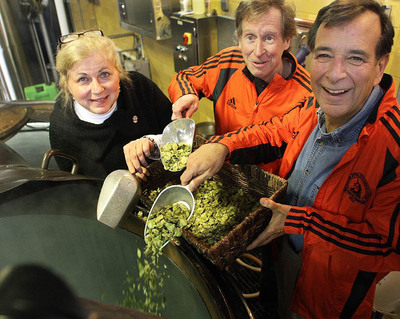 "Boston Athletic Association (BAA) President Joann Flaminio and Boston Marathon veteran Bill Rodgers joined Samuel Adams Founder and Brewer Jim Koch at the Boston brewery to announce Samuel Adams as the official beer sponsor of the 2012 Boston Marathon.  In a first-ever partnership between the BAA and the brewery, Samuel Adams created ""Boston 26.2 Brew"" to commemorate the race, which takes place on Patriots' Day-April  16, 2012.  (PRNewsFoto/Samuel Adams)"