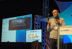 LiveRez VP of Technology Brian Sevy demonstrates the Google Glass app at the 2014 LiveRez Partner Conference in Boise, ID. (PRNewsFoto/LiveRez.com)