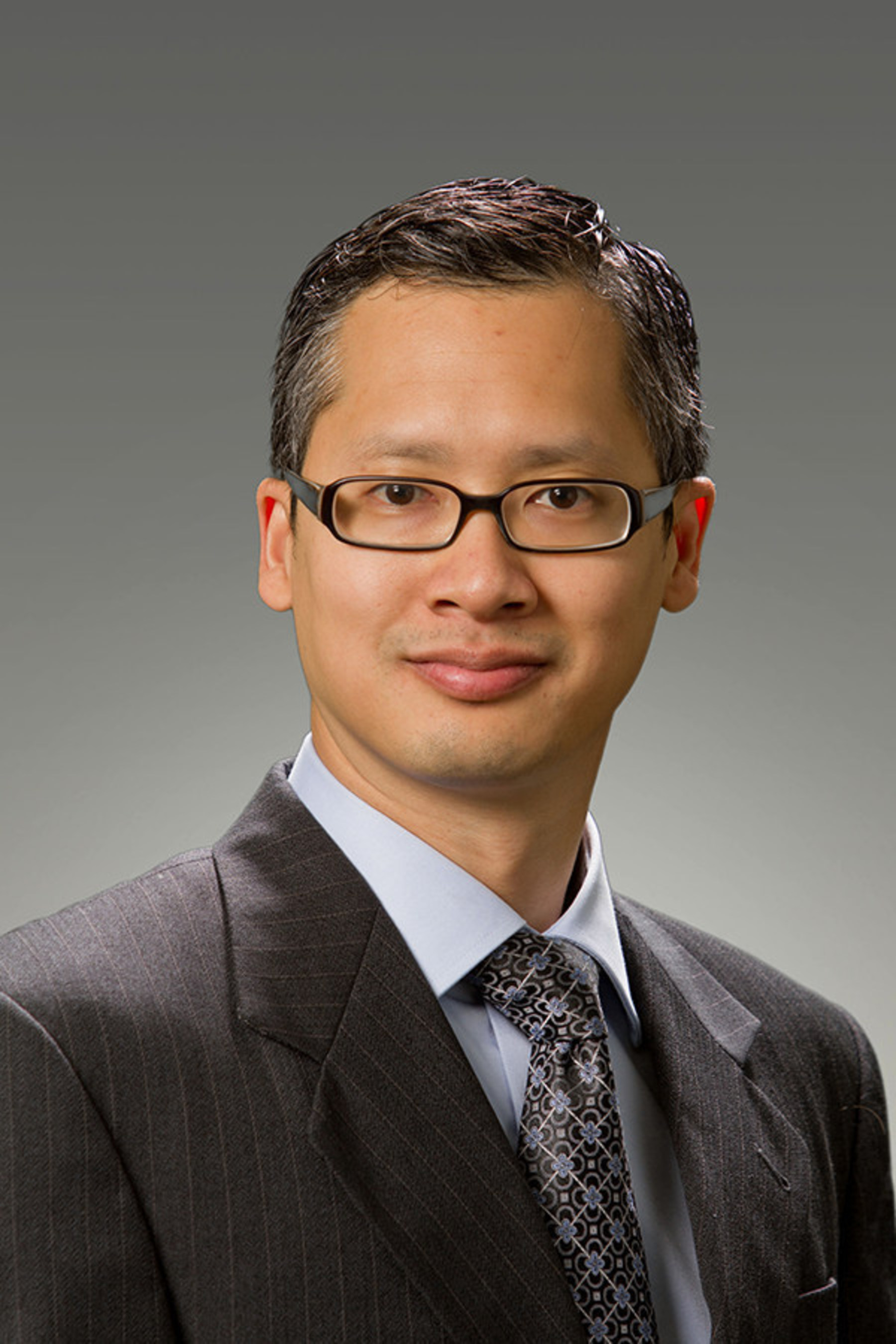 Daniel Le, M.D., orthopedic surgeon and joint specialist in Houston Methodist Orthopedics & Sports Medicine, ...