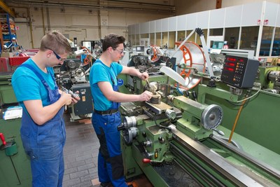Young specialists are being trained within the company group - here: vocational training as a machinist in Munich - (c) KraussMaffei Technologies GmbH/Wolfgang Maria Weber (PRNewsFoto/KraussMaffei Technologies GmbH)