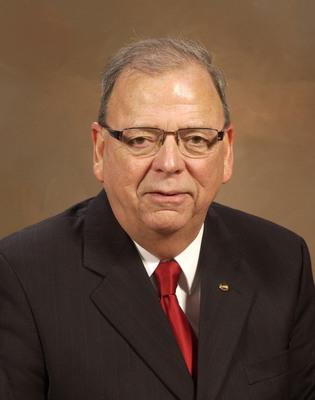 Raymond M. Beebe.  (PRNewsFoto/Winnebago Industries, Inc.)