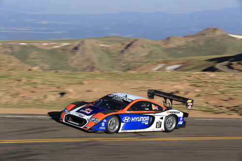 HYUNDAI POWERED UNLIMITED RACE CAR SETS THE SECOND FASTEST TIME IN PIKES PEAK HILL CLIMB HISTORY.  (PRNewsFoto/Hyundai Motor America)