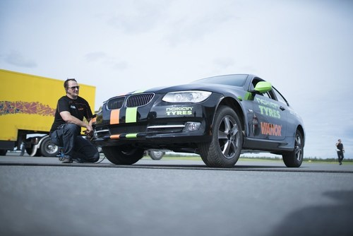 Nokian Tyres - Fastest side wheelie in a car. The new world record was set when Nokian Tyres, Vianor and stunt driver Vesa Kivimäki combined their strengths. Vianor's expert pit crew participated in the world record by taking care of the record-breaking car and its tyres. The team could change tyres rapidly and report the condition of the car and tyres in real time to the driver. More: www.nokiantyres.com/fastestwheelie (PRNewsFoto/Nokian Tyres)