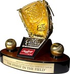 Rawlings Heart of Gold Award Celebrates Greatness Off the Diamond (PRNewsFoto/Rawlings)