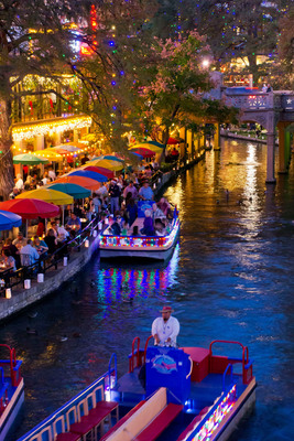 Thousands of lights illuminate the San Antonio River Walk holiday display.  (PRNewsFoto/San Antonio Convention & Visitors Bureau)