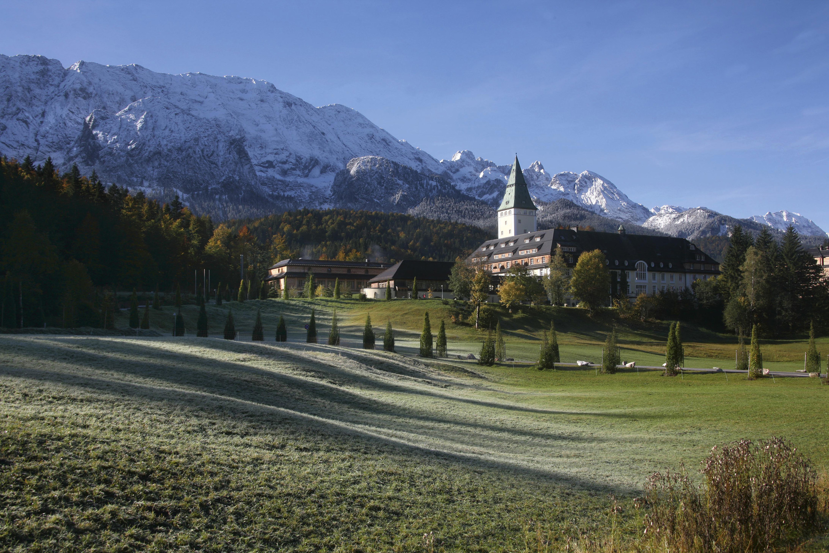 TOTO and the Hotel Schloss Elmau Set the Stage for Global Summit