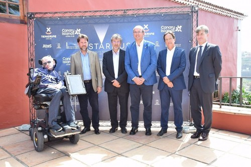 Stephen Hawking presented the Starmus Festival III at The Canary Islands (PRNewsFoto/Calibri 12 Starmus Festival) (PRNewsFoto/Calibri 12 Starmus Festival)