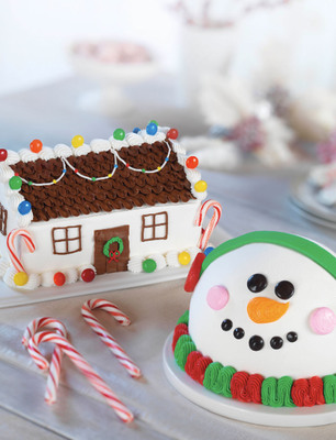 'Tis The Season To Celebrate With Baskin-Robbins' Holiday Ice Cream Cakes And New Flavor Of The Month, Peppermint Bark In The Dark.  (PRNewsFoto/Baskin-Robbins)
