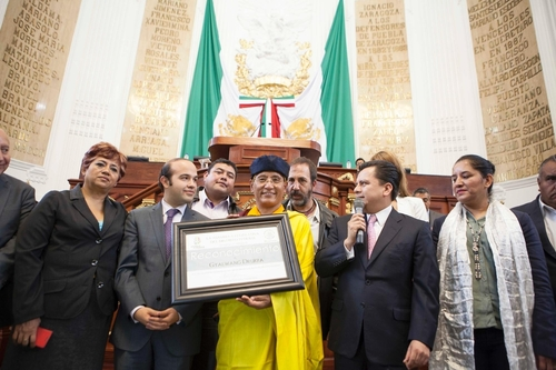 The Gyalwang Drukpa and Mexico City Legislators committing to a sustainable positive approach to environment preservation (PRNewsFoto/Drukpa Lineage)