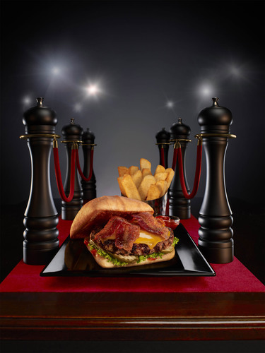 Red Robin unveils new Finest Smoke & Pepper Signature burger inspired by world-renowned chef and restaurateur ...