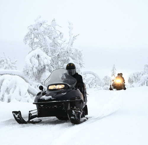 THE HANOVER INSURANCE GROUP OFFERS STRATEGIES TO KEEP SNOWMOBILERS SAFE THIS WINTER.  (PRNewsFoto/The Hanover ...
