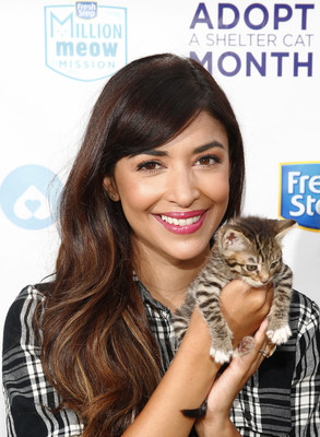 New Girl actress Hannah Simone partnered with Fresh Step(R) with the power of Febreze(TM) and Amanda Foundation to surprise cat lover Alexis Cotton in support of Adopt a Shelter Cat Month, Wednesday, June 8, 2016, in Beverly Hills, Calif. Simone is the ambassador for Fresh Step's Million Meow Mission which is committed to helping every shelter cat find a forever home. (Photo by Jack Dempsey)